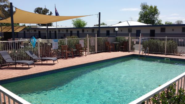 Comfort Inn Aden Mudgee Logo and Images