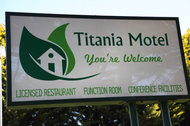 Titania Motel Logo and Images