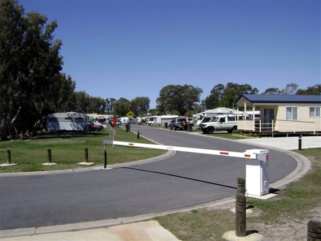 Toorbul Caravan Park Logo and Images