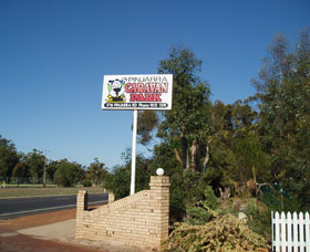 Pinjarra Cabins and Caravan Park Logo and Images