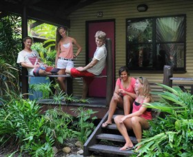 Airlie Beach Magnums Backpackers Image