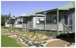 Werri Beach Holiday Park Logo and Images