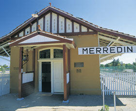Merredin Railway Museum Logo and Images