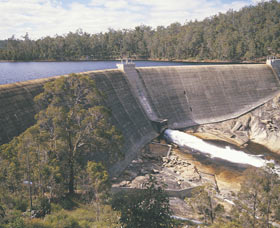 Wellington Dam Experience Logo and Images