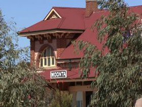 Moonta Tourist Office Logo and Images