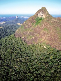 Mount Beerwah Track Logo and Images