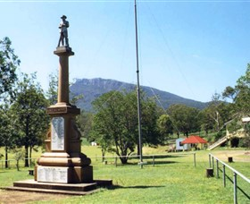 Maroon State School War Memorial Logo and Images