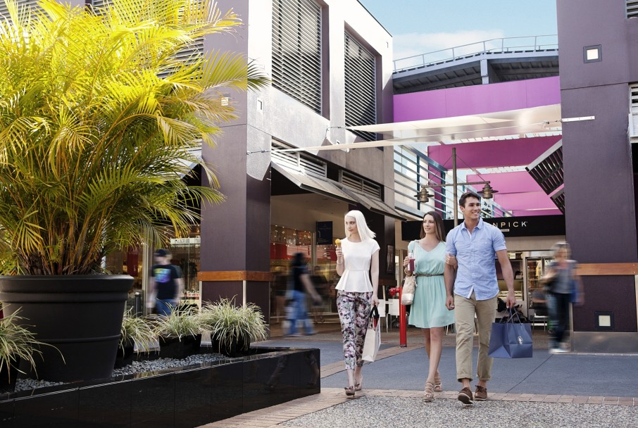 792965ff408 Harbour Town Outlet Shopping Centre - Attraction Biggera Waters ...