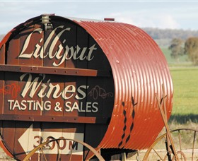 Lilliput Wines Logo and Images