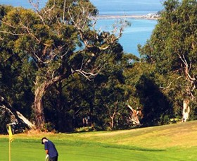 Lorne Country Club Logo and Images