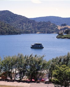Lake Eildon National Park Logo and Images