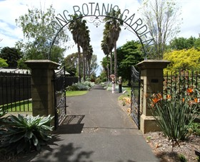 Friends of Geelong Botanic Gardens Logo and Images