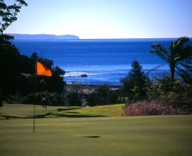 Mollymook Golf Club Logo and Images