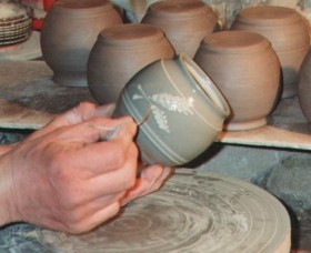 Nulladolla Pottery Group Logo and Images