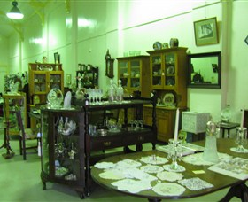 Glenleigh Antiques Logo and Images