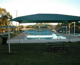 Binalong Memorial Swimming Pool Logo and Images