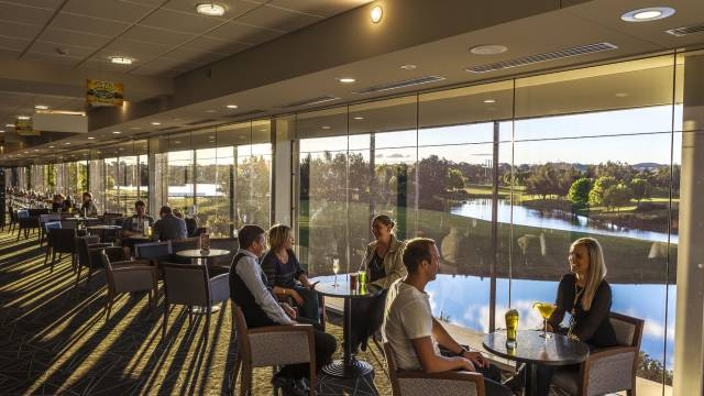 Gungahlin Lakes Golf and Community Club Logo and Images