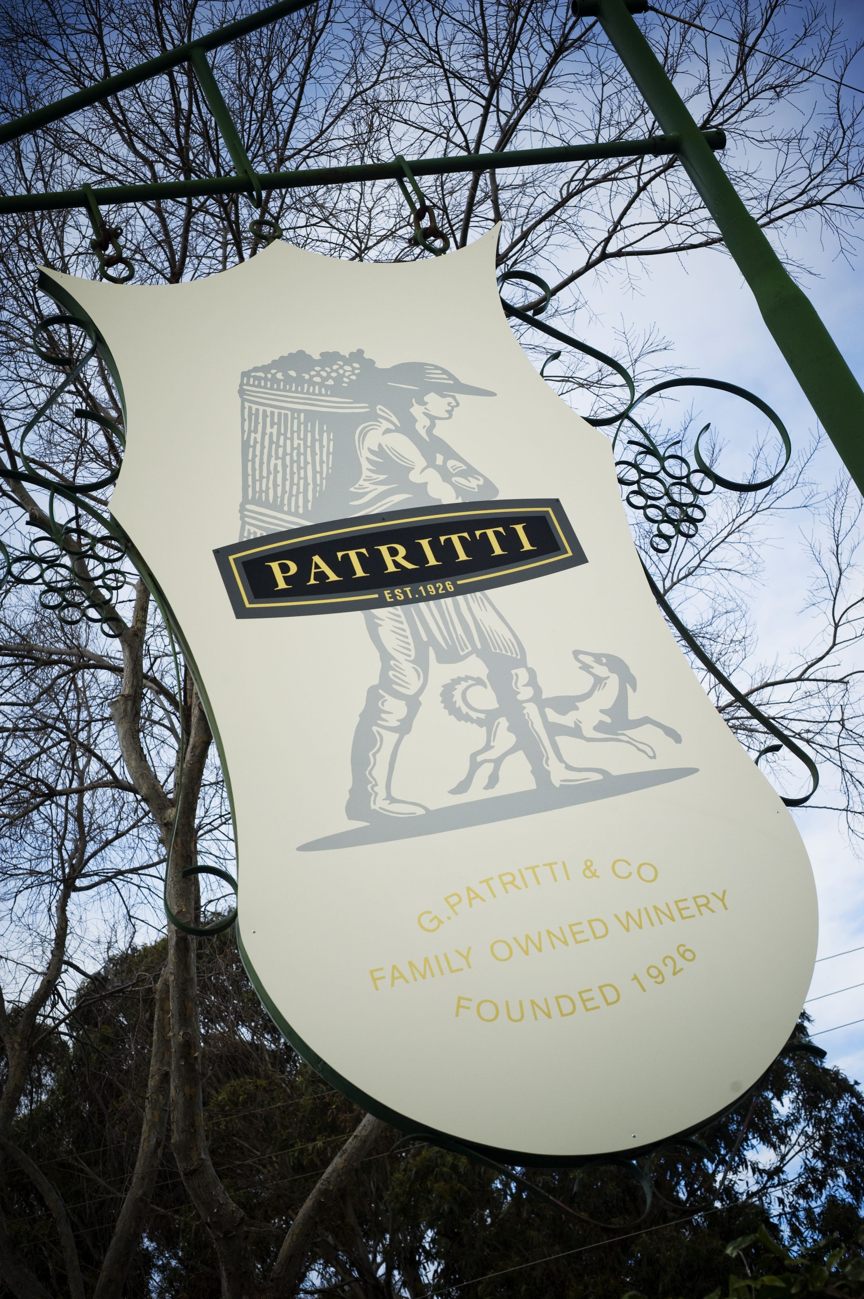 Patritti Logo and Images