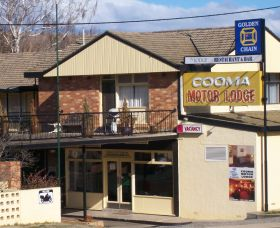 Cooma Motor Lodge Coach Tours Logo and Images