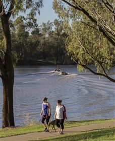 St George Riverbank Walkway Image