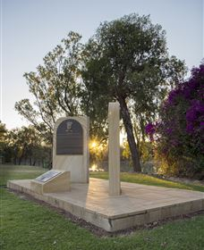 St George Pilots Memorial Logo and Images