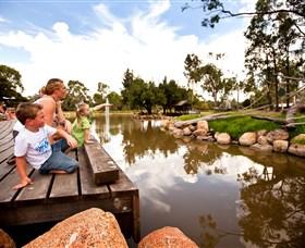 Savannah Visitor Plaza, Taronga Western Plains Zoo Dubbo Logo and Images