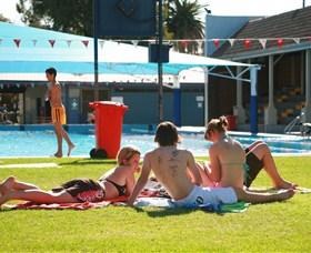 Dubbo Aquatic Leisure Centre Logo and Images