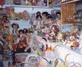 Gerogery Doll Museum Logo and Images