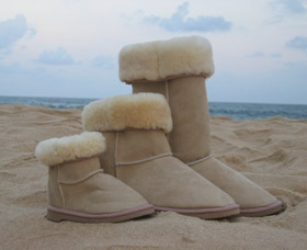 Blue Mountains Ugg Boots Logo and Images