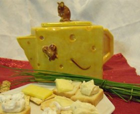 Little Creek Cheese Logo and Images