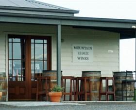 Mountain Ridge Wines Logo and Images