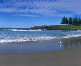 Surf Beach Kiama Logo and Images