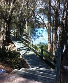 Historic Quarry Park - Moruya Logo and Images