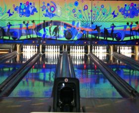 Taree Ten Pin Bowl Logo and Images