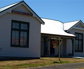 Waratah Courthouse Museum Logo and Images