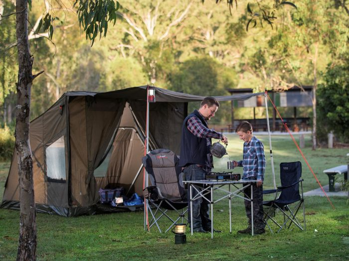 Hardings Paddock Campground Logo and Images