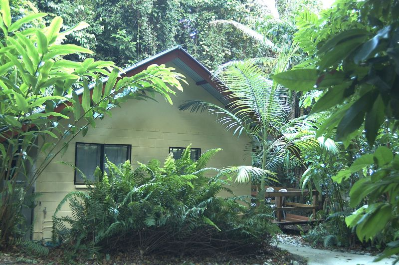 Cape Trib Beach House Resort Logo and Images