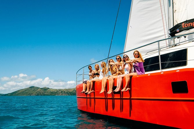 2-Night Whitsunday Islands All-Inclusive Sailing Tour from Airlie Beach Logo and Images