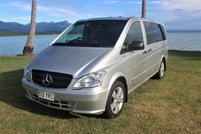 Airport Transfers between Cairns Airport and Port Douglas Logo and Images