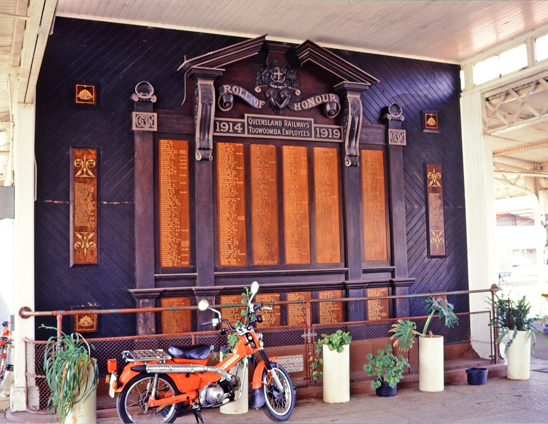 Toowoomba Railway Station, Memorial Honour Board Logo and Images