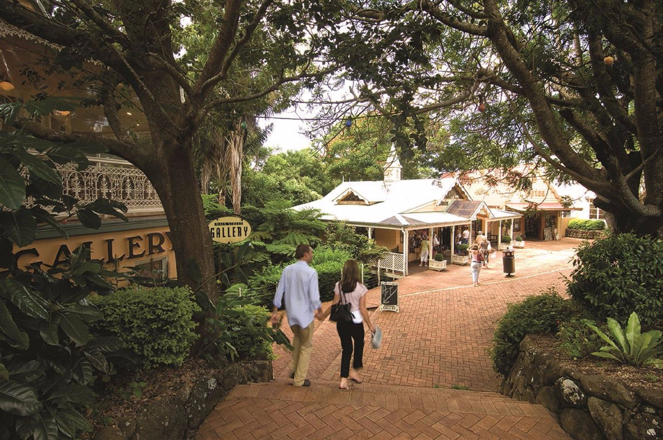 Couple's Getaway to Maleny and Montville Logo and Images