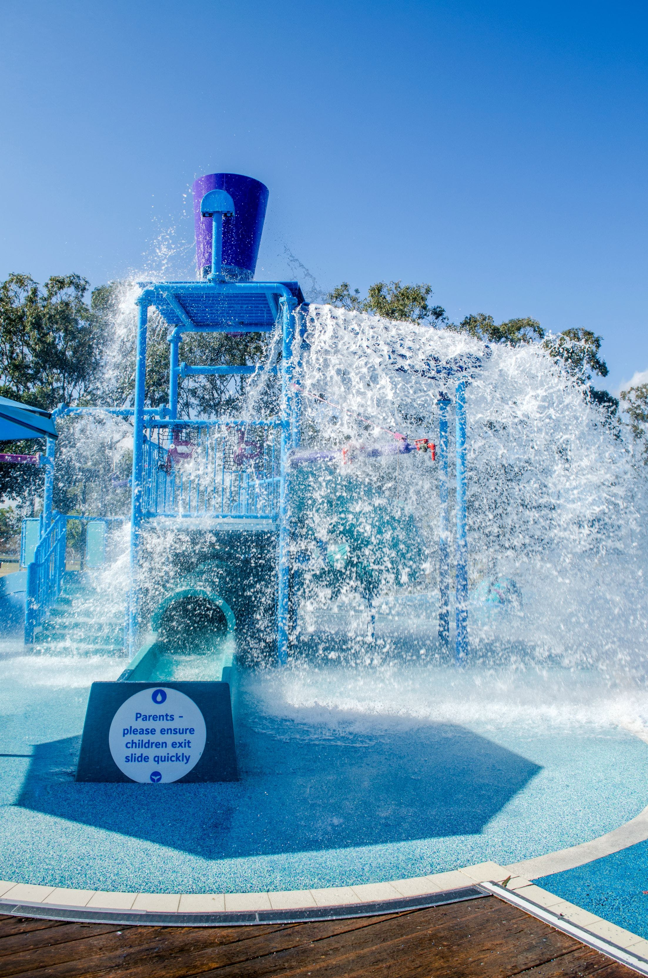 Wetside Water Park Logo and Images