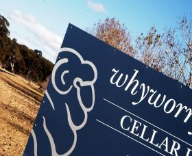 Whyworry Wines Logo and Images