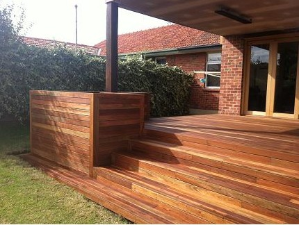 modern outdoor living melbourne. modern outdoor living began as a family run business and prides itself on quality decking solutions. registered building practitioners melbourne i