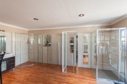 JBL Shower Screens