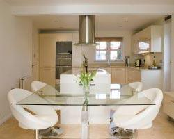 A D Hynes Joinery–Kitchens
