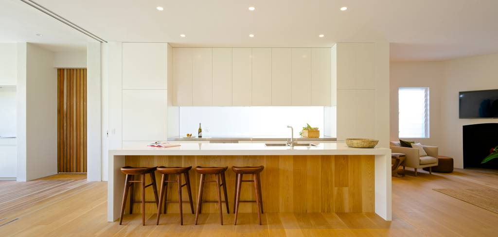 Solid Kitchens `n' Cabinets