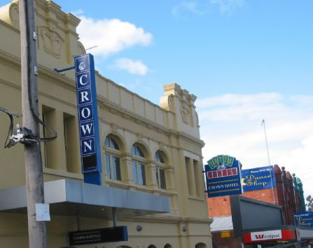 Crown Hotel Lilydale Logo and Images