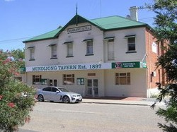Mundijong Tavern Logo and Images
