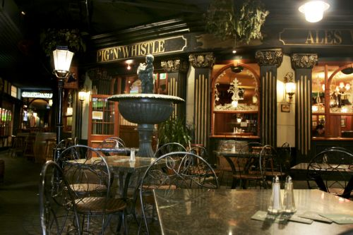 Pig N Whistle British Pub Indooroopilly Logo and Images